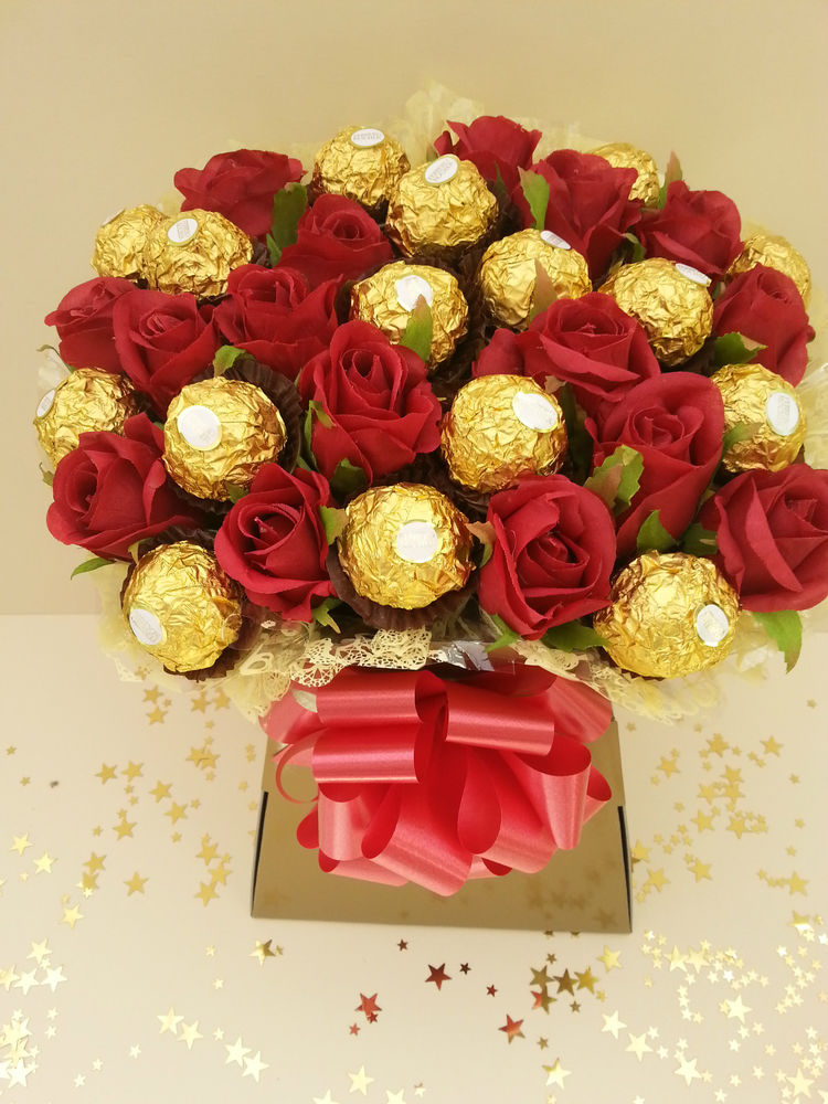 Ferrero Rocher Chocolate & Flower Bouquet - Partyyar